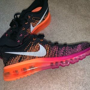 Nike Air Max Flyknit Running Shoes